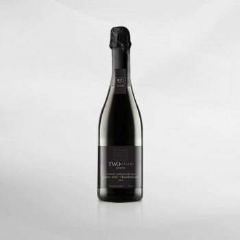 Two Islands Reserve Sparkling Pinot Noir...